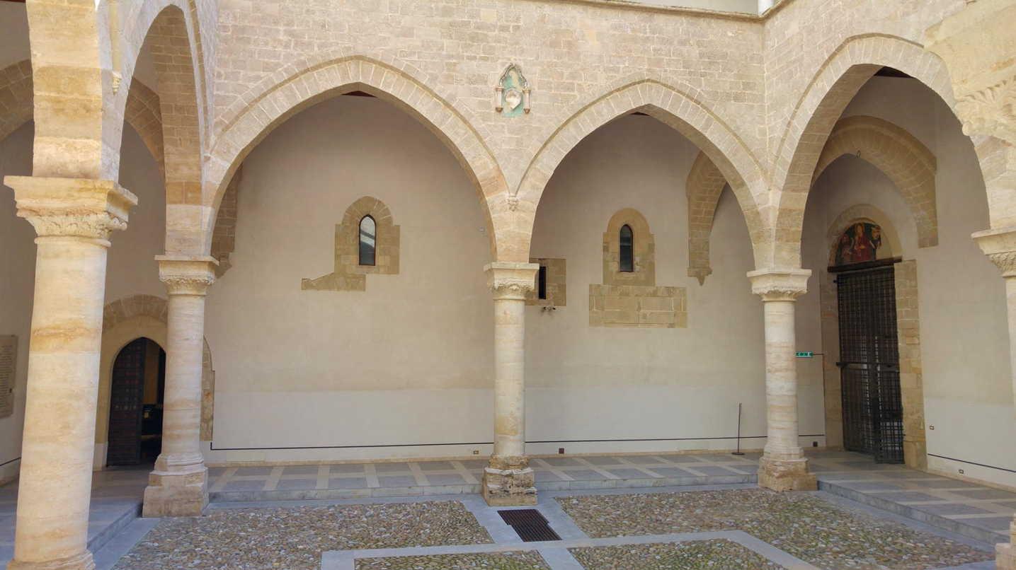 Palazzo chiaramonte steri for Portal del interior