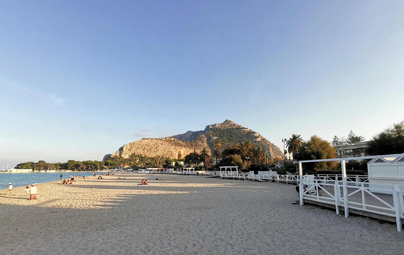 Playas de Palermo - Playa de Valdesi-Mondello